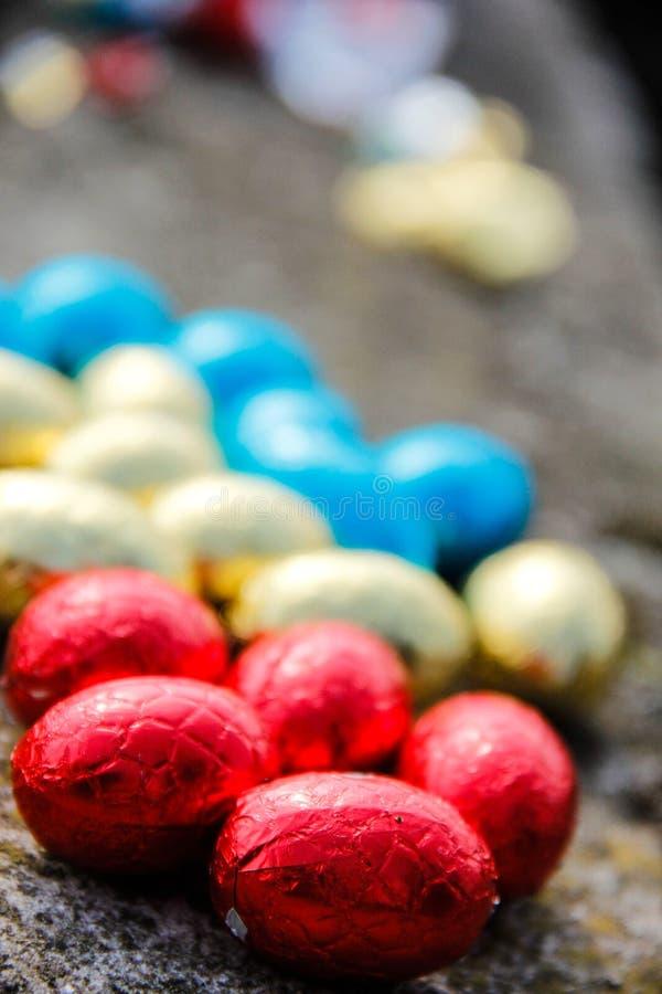 Oostelijke chocoladeeieren stock fotografie