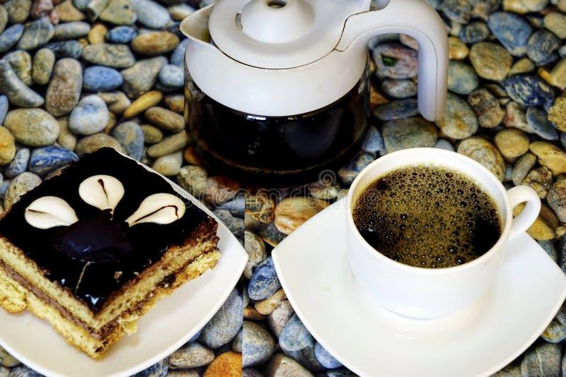 Oostelijke Turkse snoepjesbaklava en kop van koffie stock afbeelding