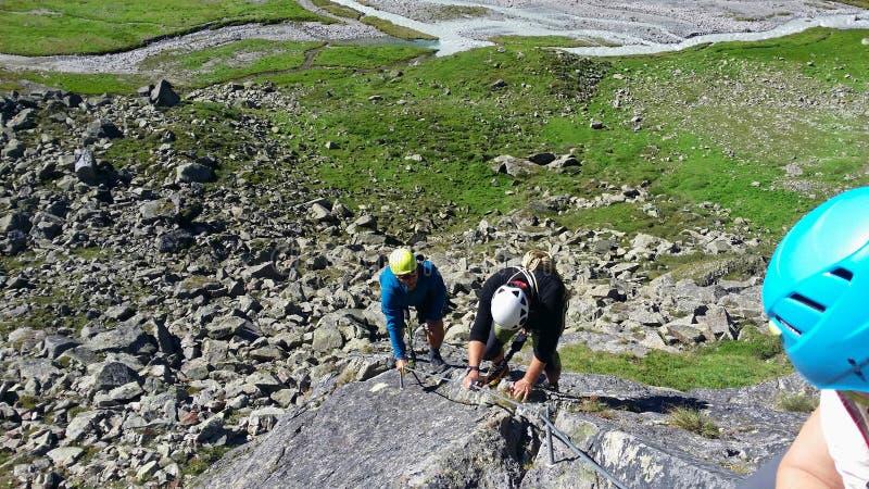 oostenrijk Berggebied ` Stubai ` Opleiding in bergbeklimming stock fotografie