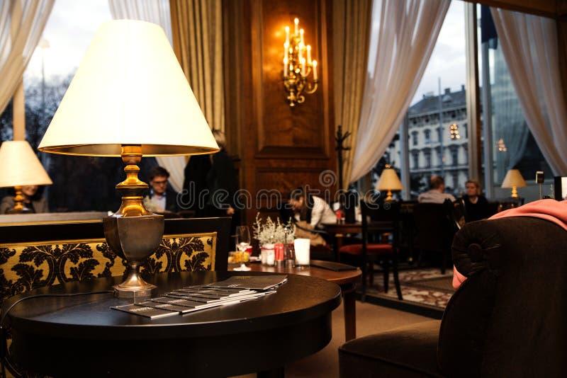 Oostenrijk, Wenen 19 Februari, 2014: Intercontinentaal Wenen De hal van het hotel stock afbeeldingen