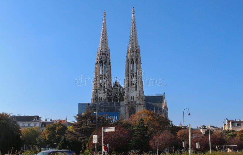 Oostenrijk; Wenen; 21 oktober, 2018; De Votive Kerk Votivkirche die op Ringstrasse in Wenen wordt gevestigd, het is één van royalty-vrije stock foto