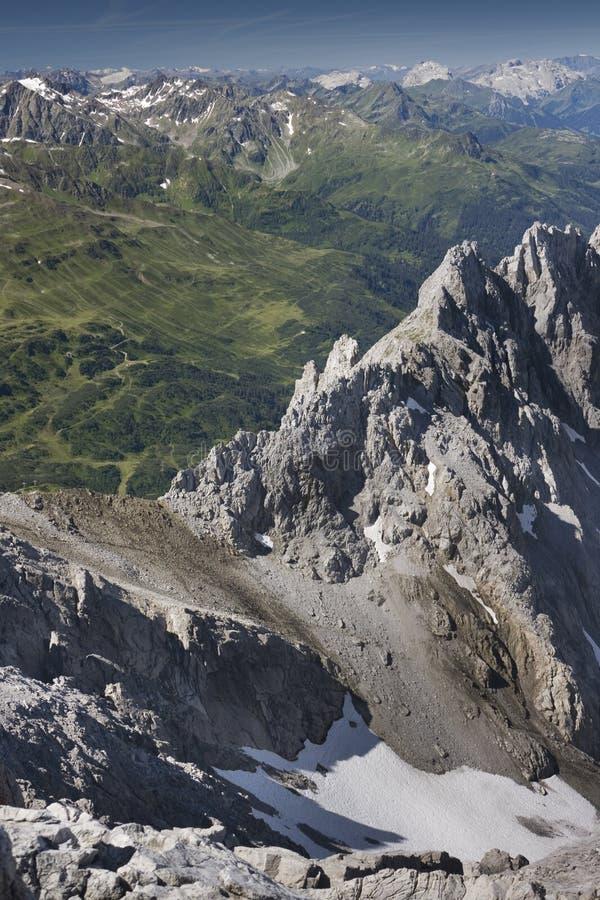 Oostenrijkse Alpen in de Zomer stock foto