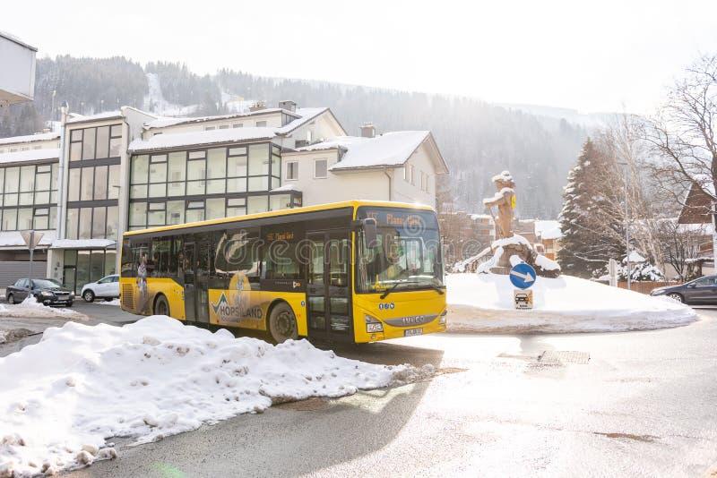 Oostenrijkse skibus, Planai-het gebied schladming-Dachstein, Dachstein-massief, Liezen-District, Stiermarken, Oostenrijk, Europa  stock foto
