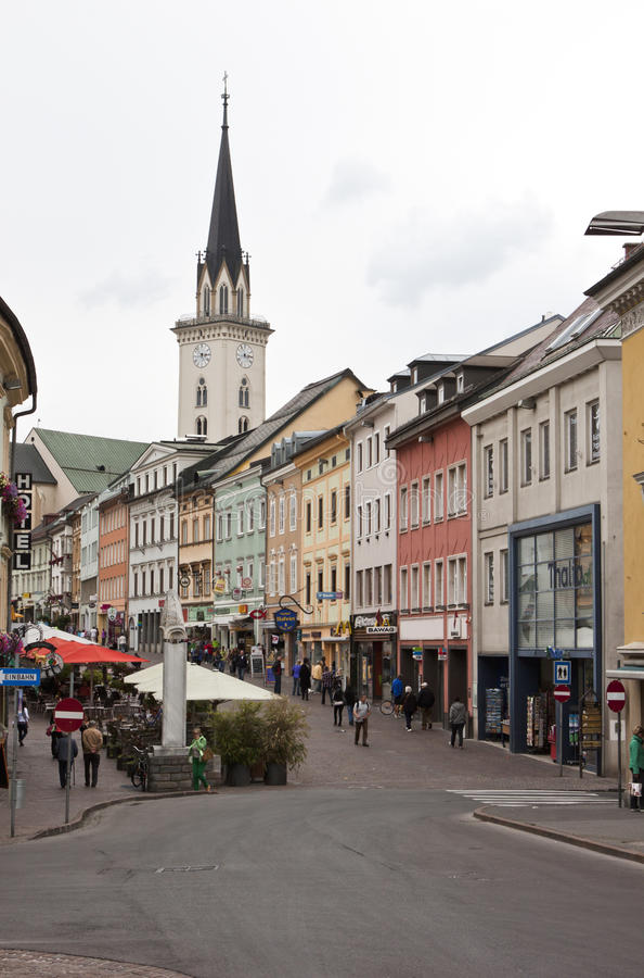 Oostenrijkse stad van Dorp, Carinthia, Oostenrijk stock foto's