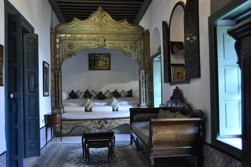 Oosters stijl binnenlands ontwerp in het Nobel-restaurant Dar El Je stock fotografie