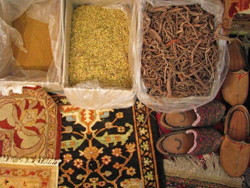 Oosterse dekens - het traditionele maken van royalty-vrije stock fotografie