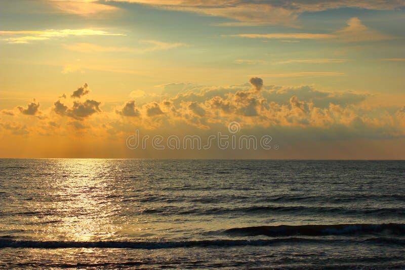 Oostzee bij de zomeravond royalty-vrije stock foto's