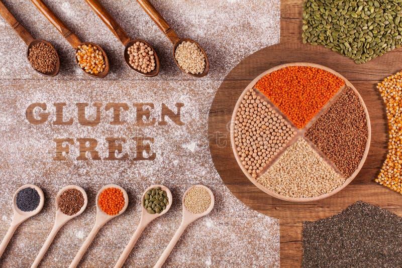 Opções sem glúten da dieta - várias grões e sementes fotos de stock royalty free