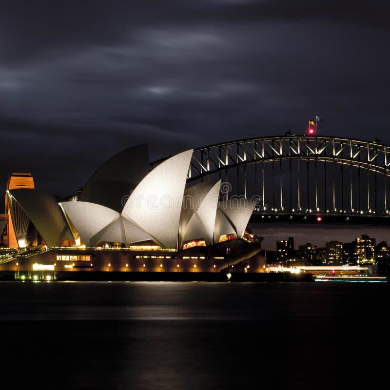 opéra Sydney de nuit de maison images libres de droits