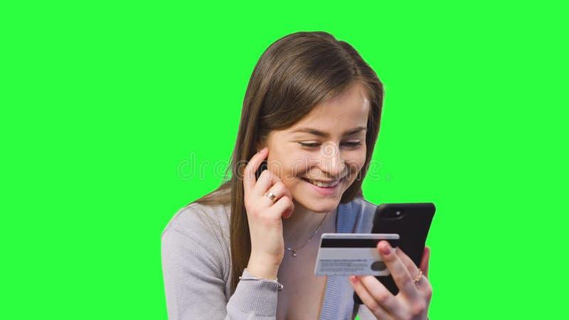 Opérations bancaires en ligne utilisant Smartphone image stock