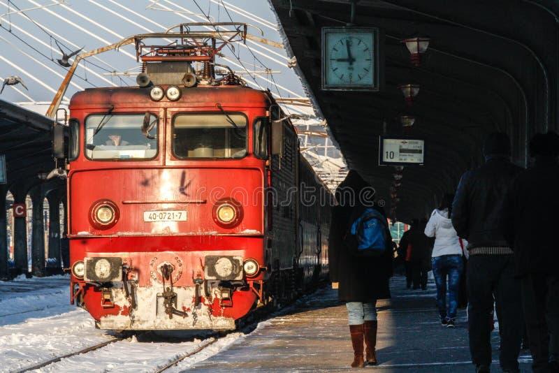 Opóźniający pociągi w zimie obrazy royalty free