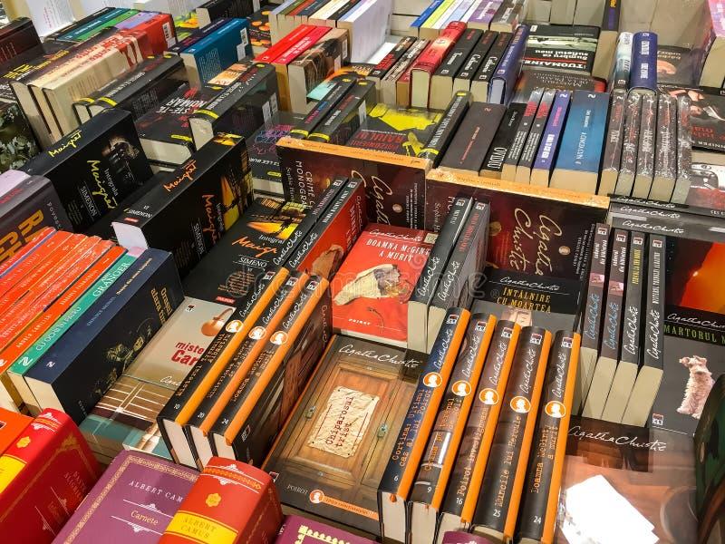 Opóźnione Sławne powieści Dla sprzedaży W Bibliotecznym Książkowym sklepie obraz royalty free