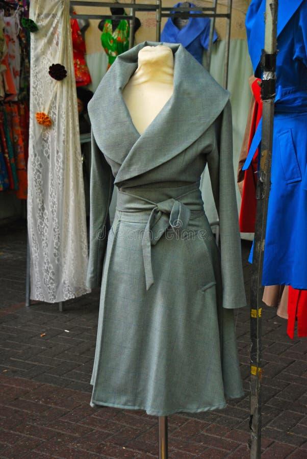 Opóźniony moda projekt na Żeńskim Przyrodnim ciała Mannequin zdjęcie stock