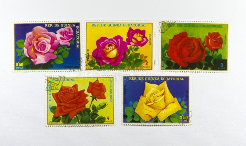 opłata pocztowa róż znaczki zdjęcia royalty free