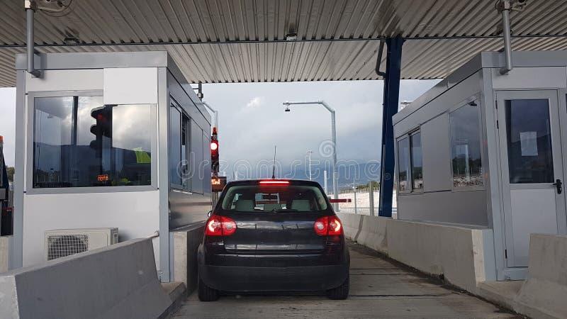 Download Opłaty Drogowa Stacja W Ionia Ulicie Grecja Obraz Stock - Obraz złożonej z ulica, opłacony: 106908339