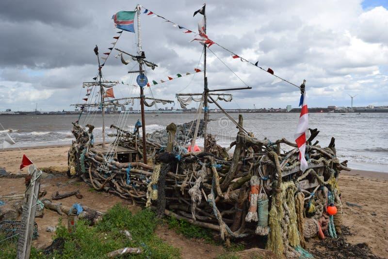 Op de banken van de rivier Mersey stock foto's