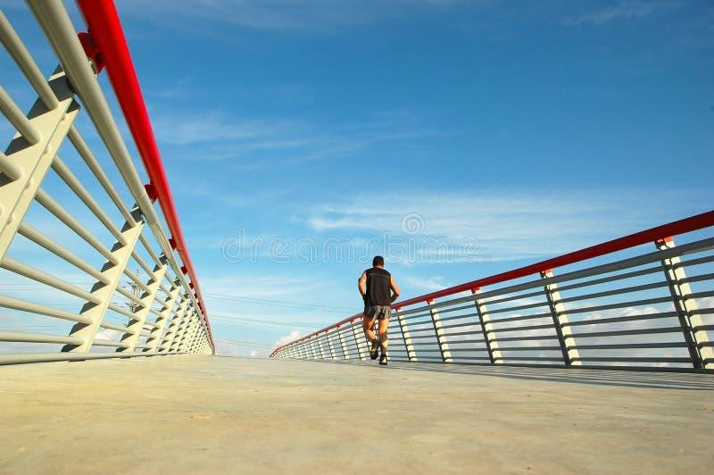 Op de brug stock afbeeldingen