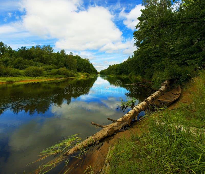 Op de rivier royalty-vrije stock afbeelding