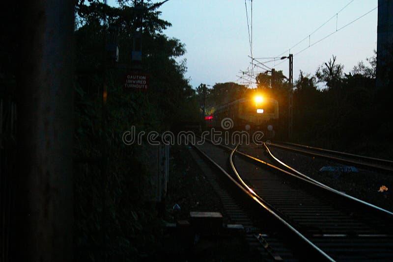 Op de spoor Indische spoorwegen stock foto