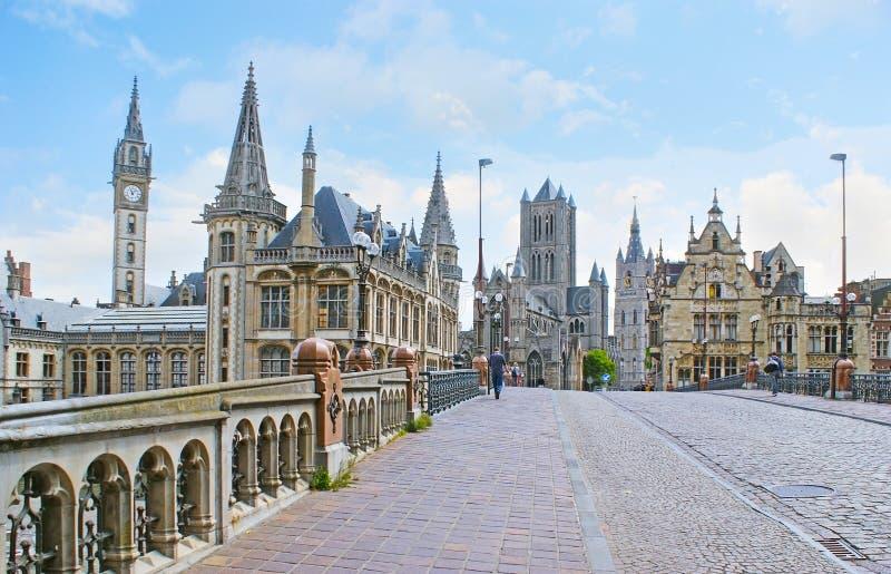 Op de St Michael ` s Brug in Gent royalty-vrije stock afbeeldingen