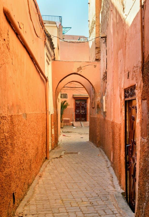 Op de straat in medina marrakech marokko royalty-vrije stock fotografie