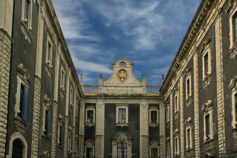 Op de straten van Catanië. Sicilië, zuidelijk Italië stock fotografie