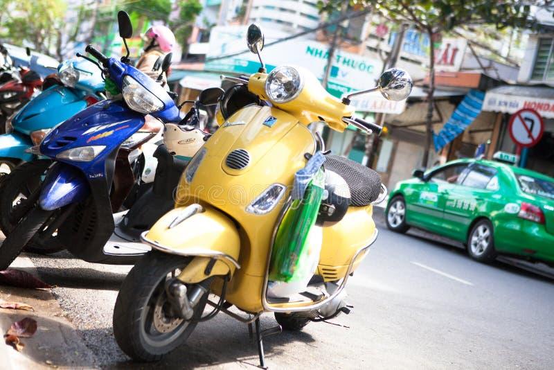 Op de straten van retro motorfiets van Vietnam Danang stock afbeelding