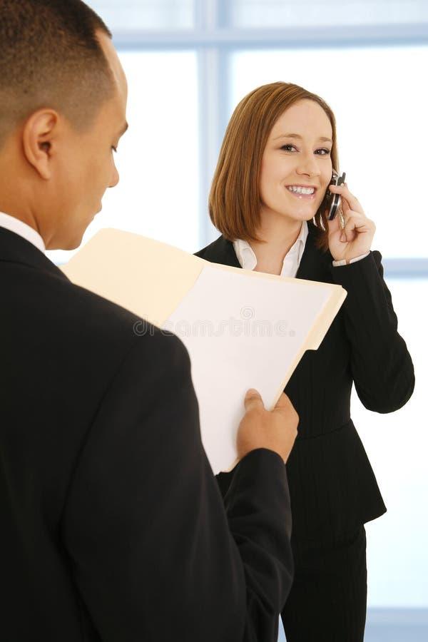 Op de Telefoon tijdens Vergadering