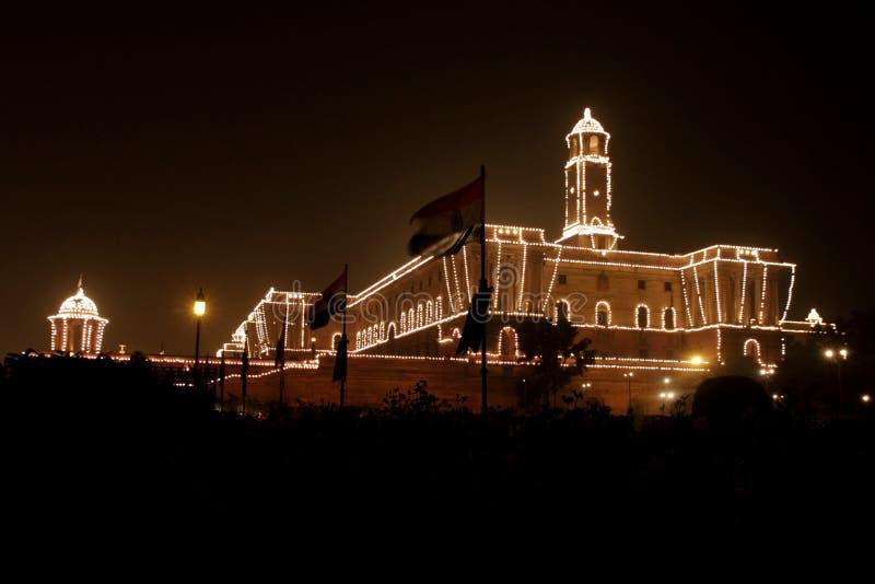 Op de vooravond van de Dag van de Republiek, goed aangestoken Rashtrapati Bhavan royalty-vrije stock afbeeldingen
