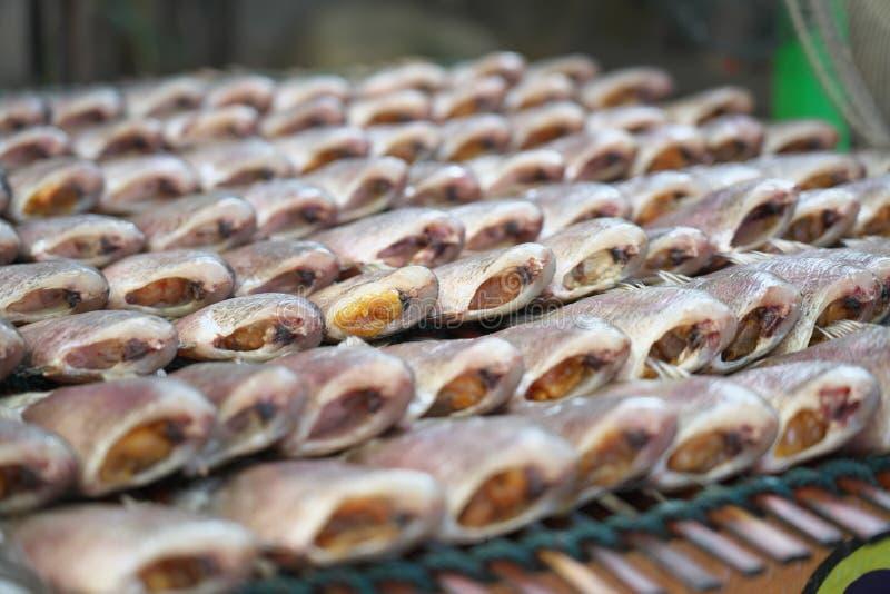 Op de vrije markt verkochte vis in Chachoengsao, Thailand royalty-vrije stock afbeeldingen