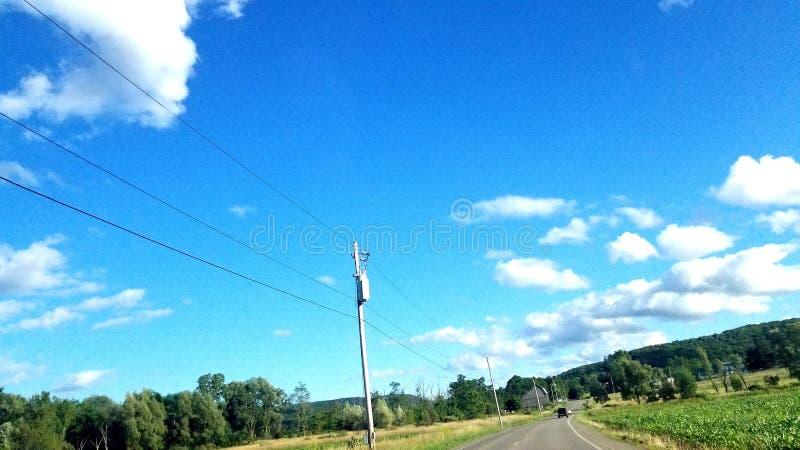 Op de weg opnieuw stock foto