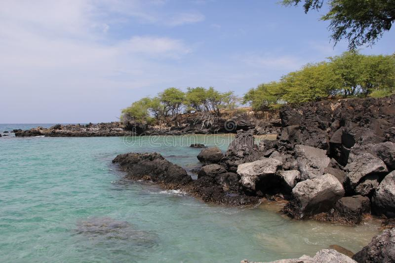 Op een strand Overzees het zand schommelt de aard van Hawaï Zonnige dag royalty-vrije stock afbeeldingen