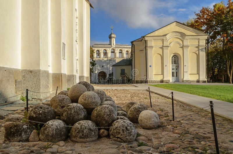Op het grondgebied van Novgorod het Kremlin royalty-vrije stock fotografie