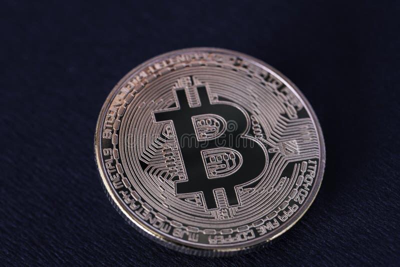 Op het sluiten op bitcointecnology royalty-vrije stock fotografie