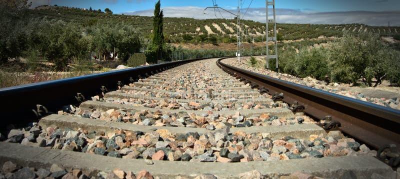 Op het spoorwegspoor stock foto's