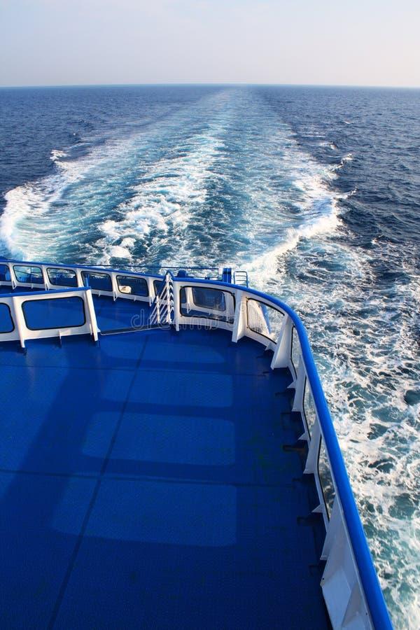 Op het veerbootdek stock afbeeldingen