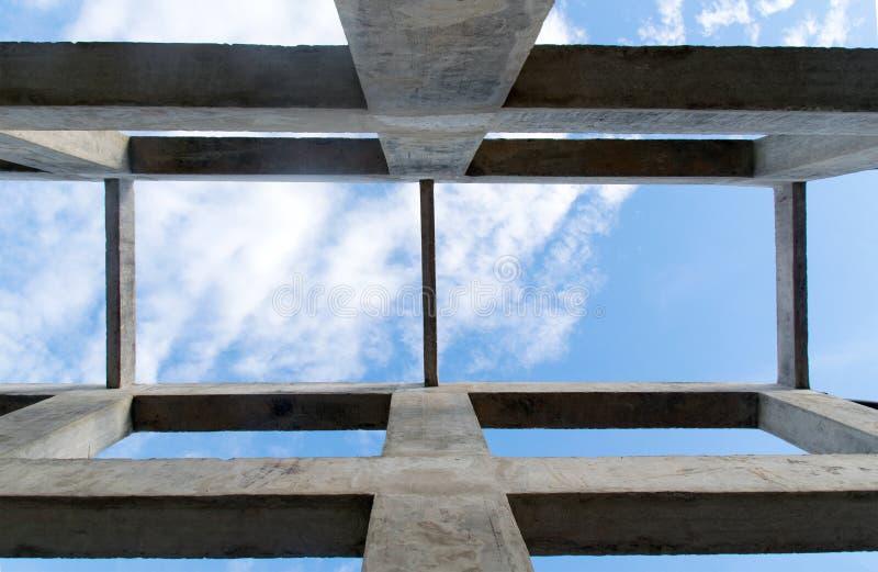 Op meningspijler en straalstructuur voor bouw abstracte achtergrond stock foto