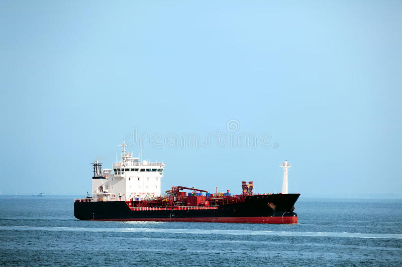 Op zee het schip van de tanker stock afbeelding