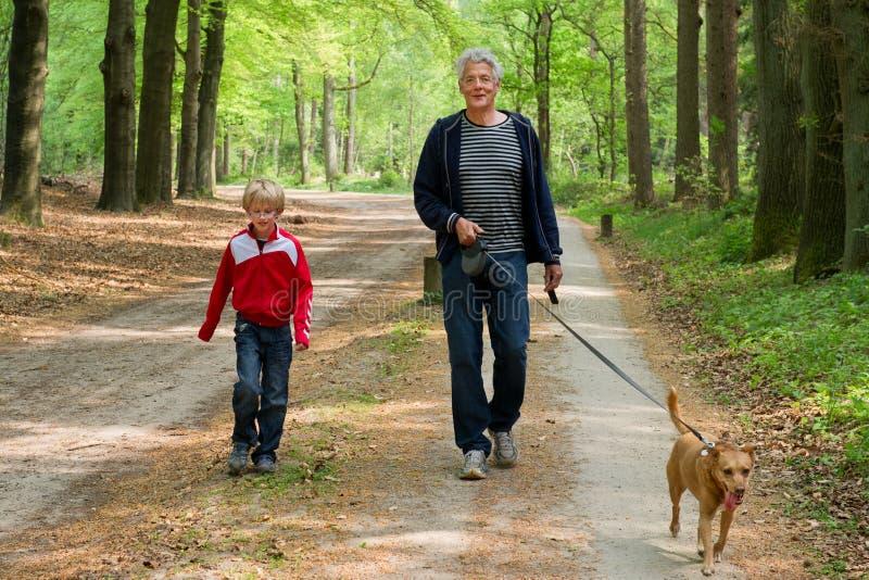 Opa en kleinkind royalty-vrije stock fotografie