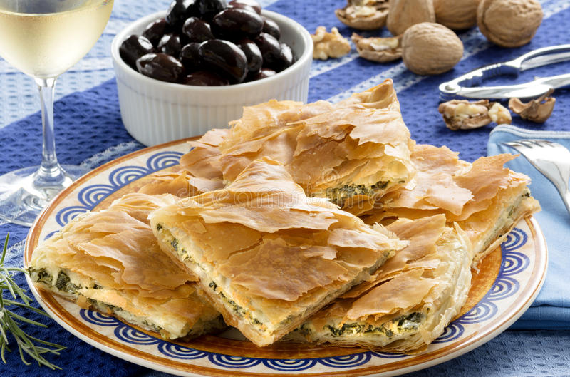 OPA!Spanakopita -希腊菠菜饼 库存图片
