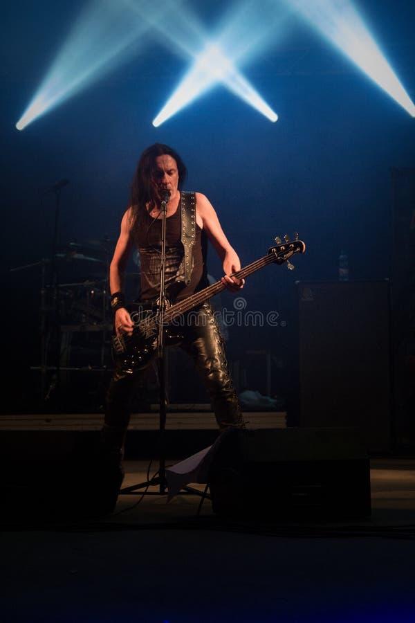 Opalenica, Polonia: 09 10 2016: Bebedores ácidos del concierto, al oscilar sábado foto de archivo