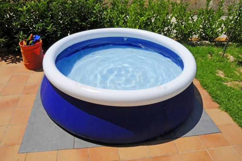 Opblaasbaar zwembad stock foto