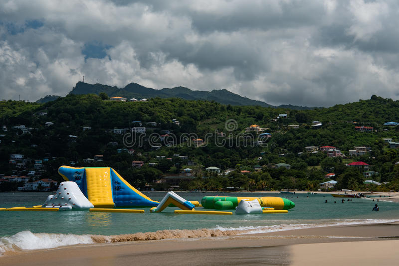Opblaasbare strandspeelplaats stock afbeeldingen