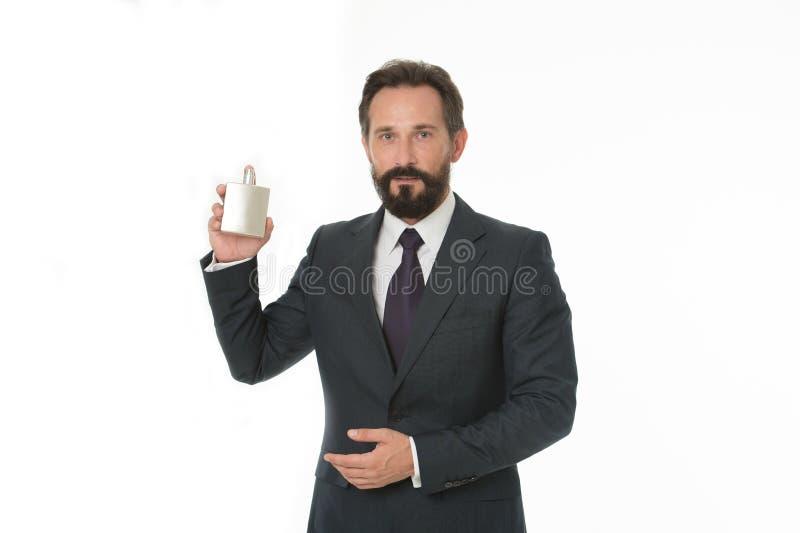 Opción del hombre real Fragancia correcta de la selección Cómo elija la mejor perfume según la ocasión Para cuál es la mejor frag imagen de archivo libre de regalías