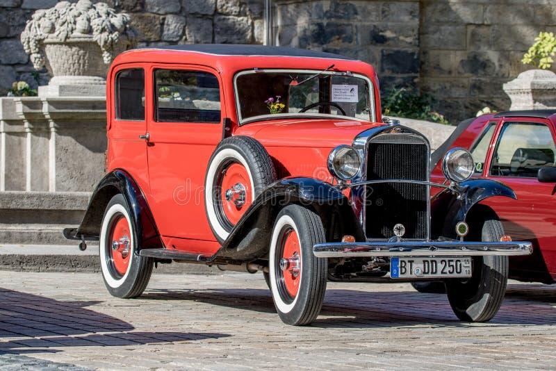 Opel - klassisk sportig cabriolet av 30-tal arkivbild