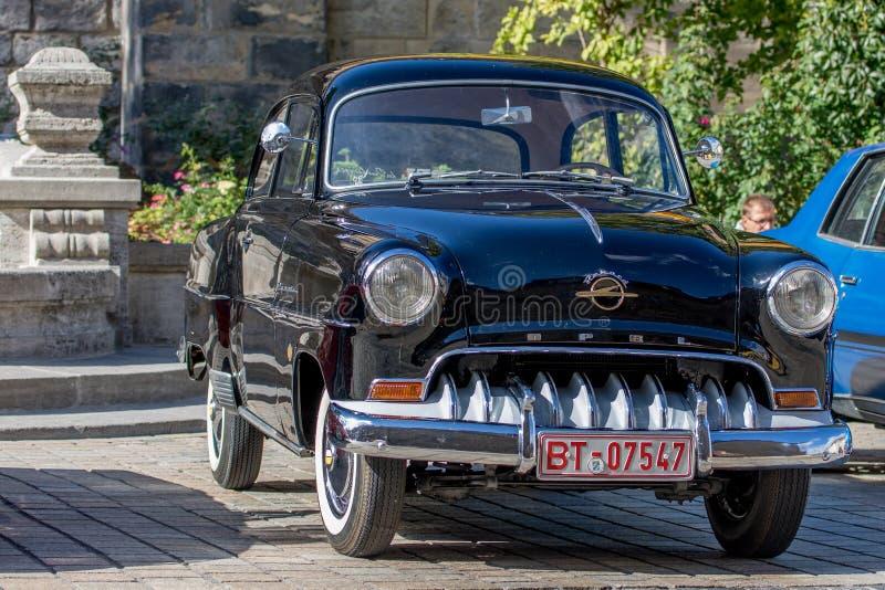 Opel Rekord - klassisk sportig cabriolet av 50-tal royaltyfri fotografi