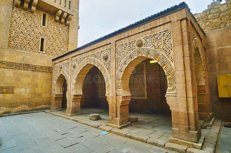 The architecture of mosque in Manial Palace complex, Cairo, Egypt. The open air terrace next to the splendid bulding of historical mosque of Manial Palace, Cairo stock images