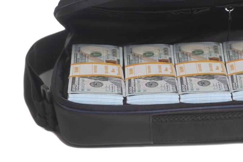 Open aktentas met honderd dollarsrekeningen royalty-vrije stock afbeelding