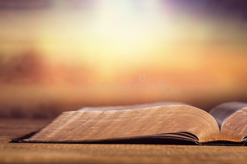 Open Bijbel royalty-vrije stock afbeelding