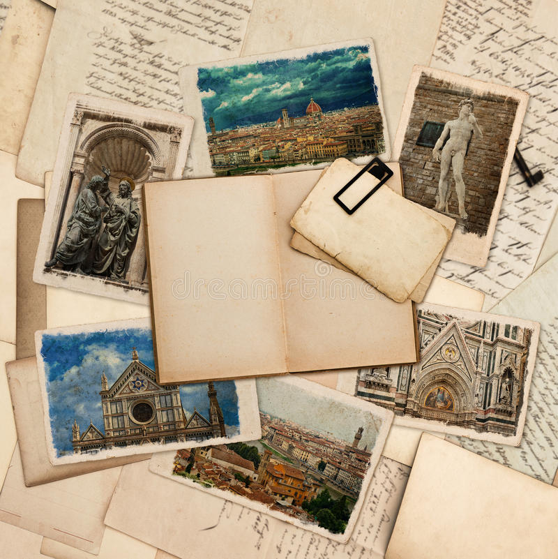 Open boek, prentbriefkaaren met beelden van Florence royalty-vrije stock fotografie